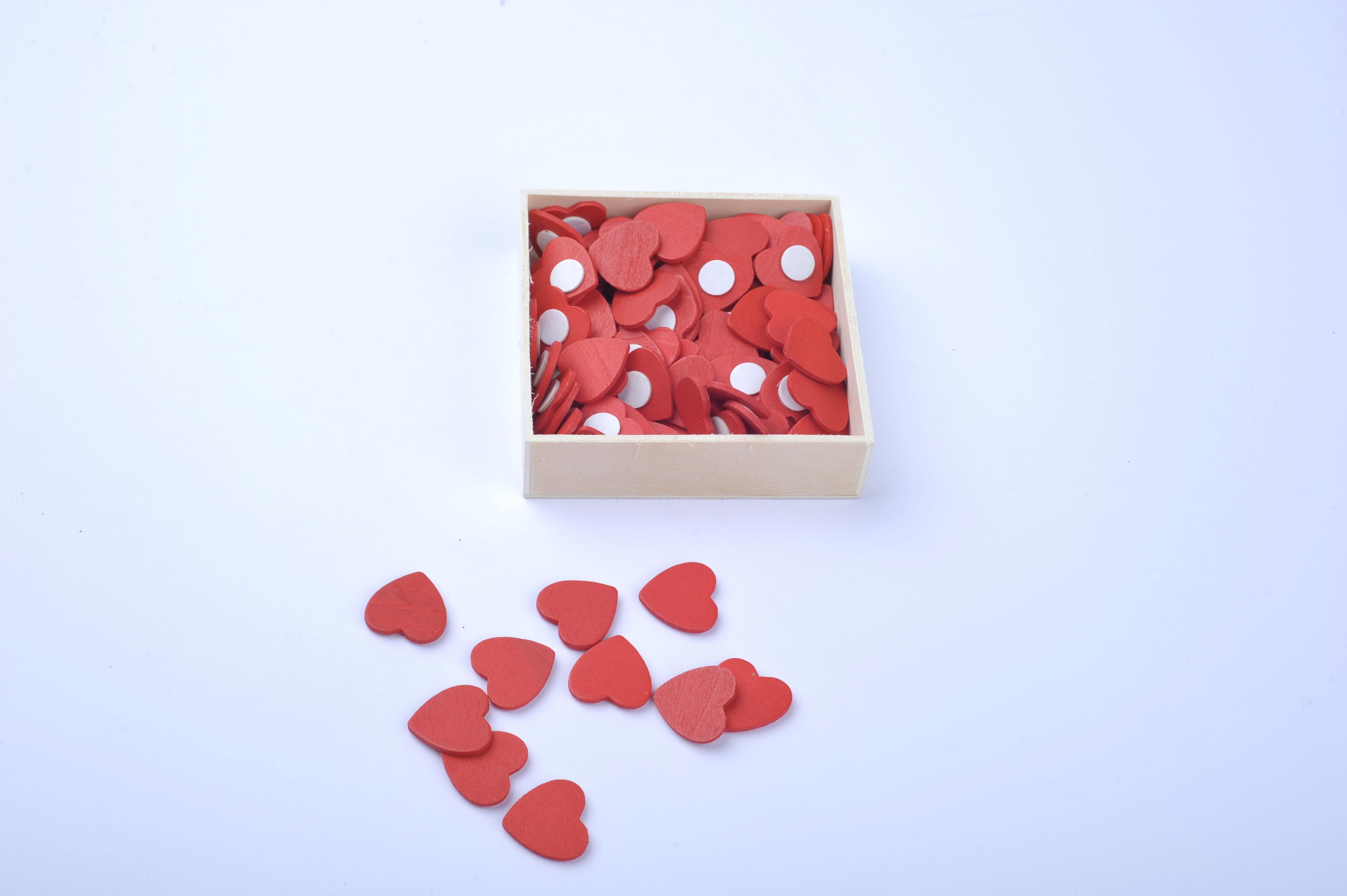 Srdíčka dřevěné 12 mm