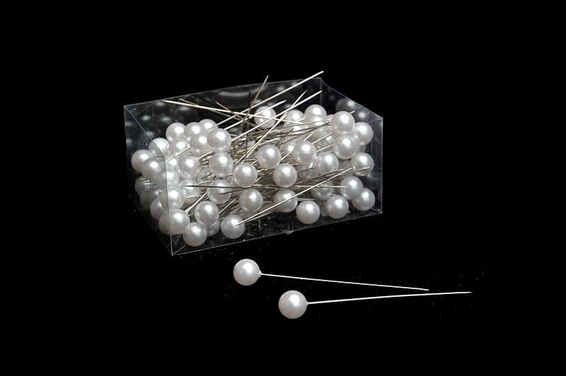 špendlík s perlou